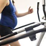 ¿Sabías que el ejercicio durante el embarazo aumenta los beneficios de la leche materna?